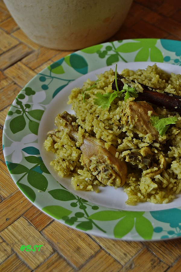 9. Green Chicken Pulao