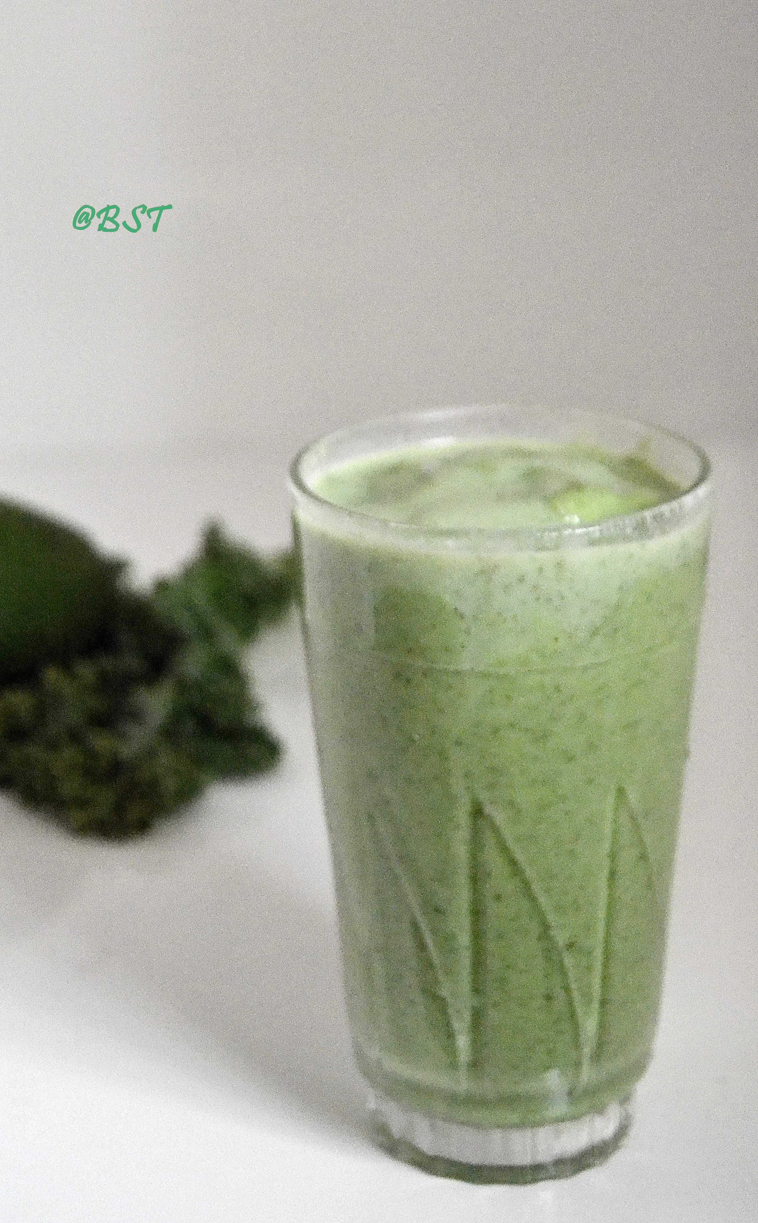 19- Kale Avocado Smoothie
